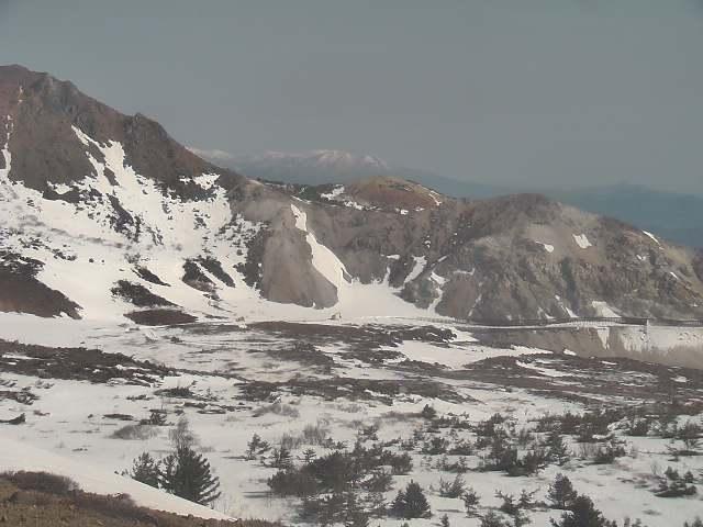 スカイライン除雪中