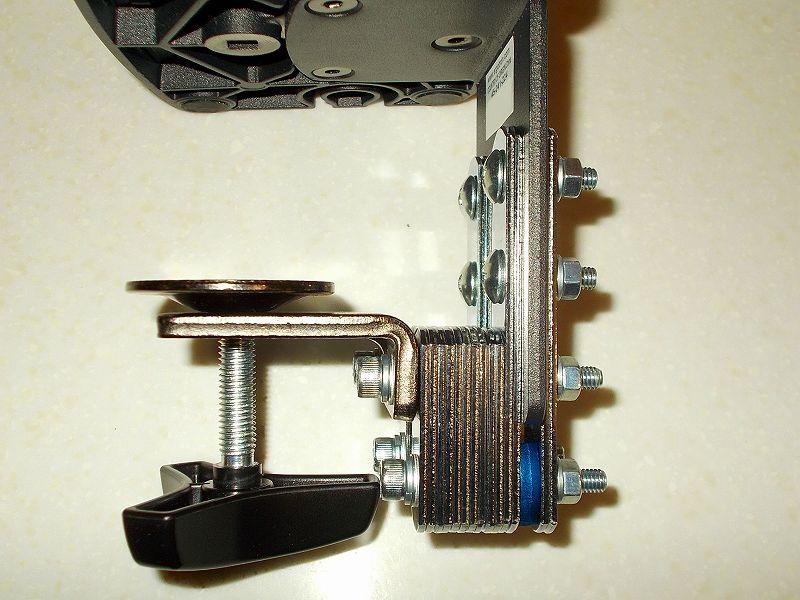 エルゴトロン LX モニターアームのクランプをフレーム付きワークテーブルに固定した時のメモ