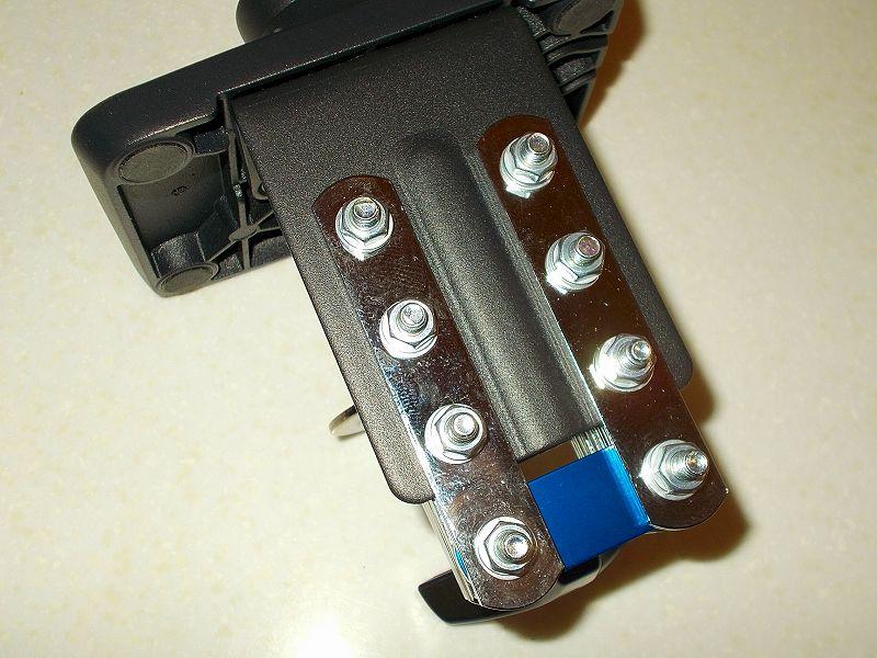 エルゴトロン LX モニターアームのクランプをフレーム付きワークテーブルに固定した時のメモ、エルゴトロン LX モニターアームクランプ - ワークテーブルへクランプ取付固定、エルゴトロン LX モニターアーム台座に各種ネジ・部品・金具を使ってクランプを固定