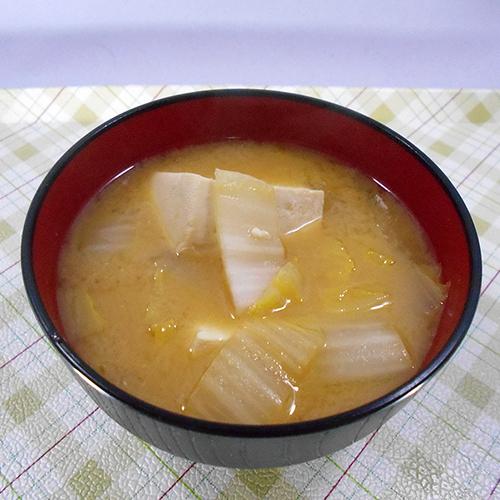 白菜と豆腐の味噌汁1