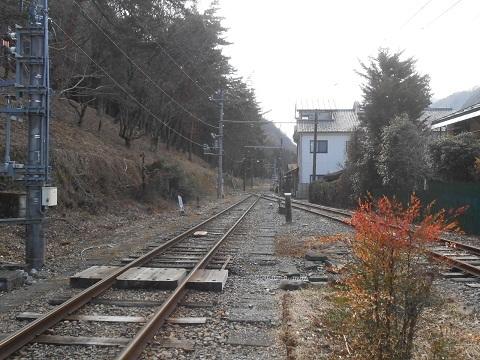 oth-train-499.jpg