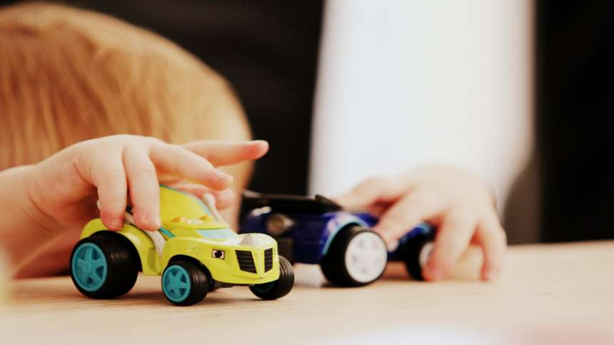 playing-with-cars