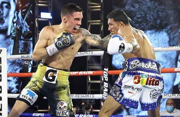 Miguel_Berchelt_vs_Oscar_Valdez_action4.jpg