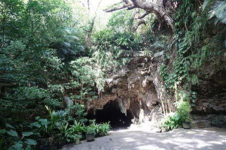 サビチ鍾乳洞2