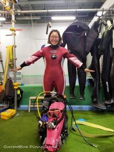 ダイビング器材の使い方,ドライスーツの使い方練習 (3)