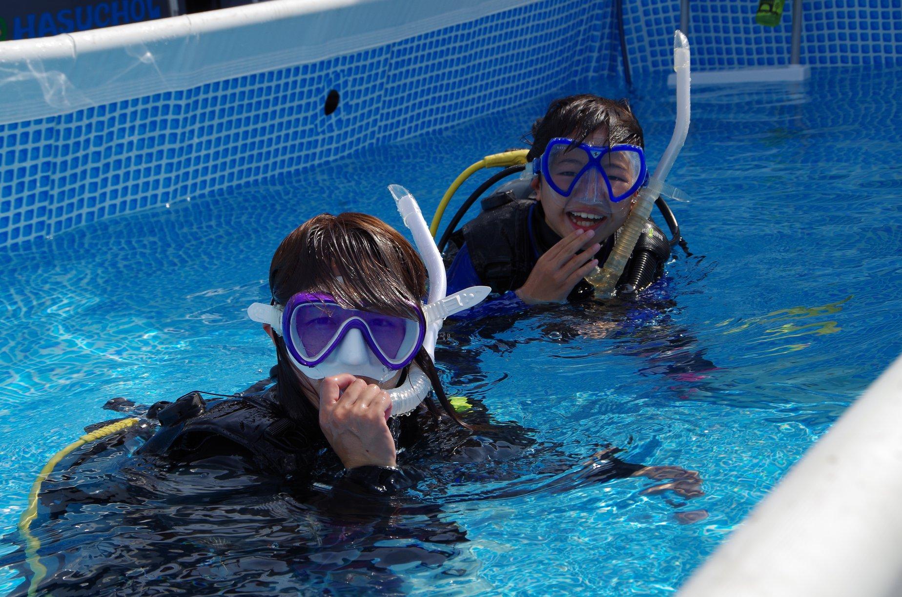 ママと子供ダイビング