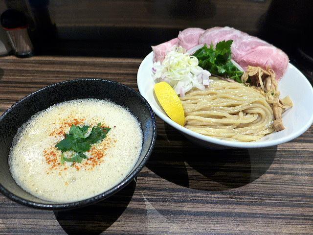 麺とカフェ処 悠然かしや@06濃厚魚介鶏つけ麺 並 1