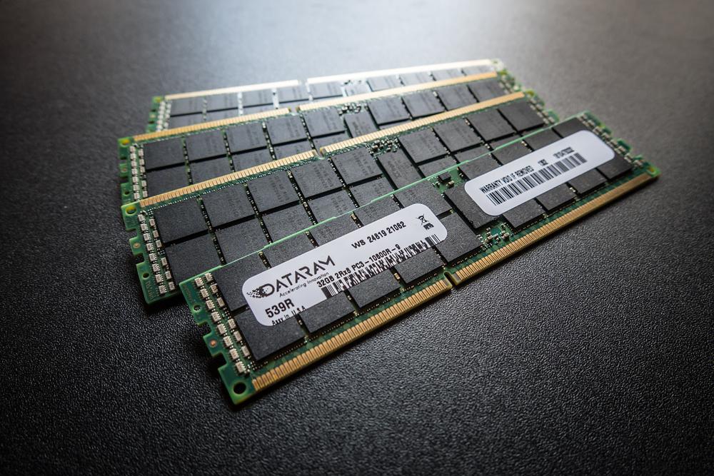 128GBメモリー(32GB×4枚)