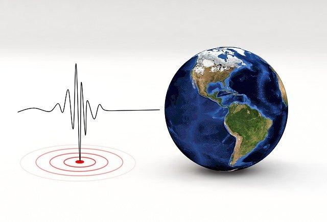 earthquake-3167693_640.jpg