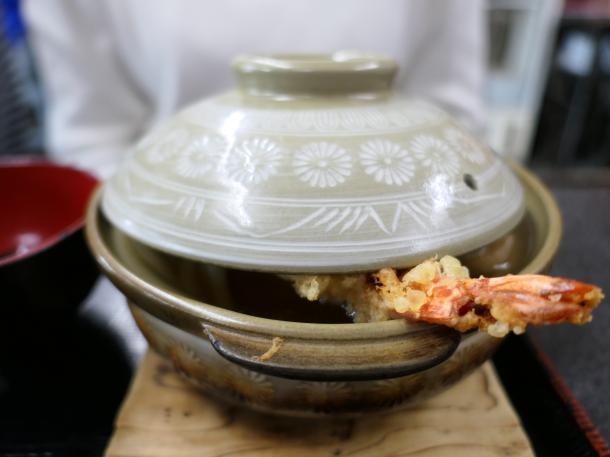 スペシャル鍋焼うどん