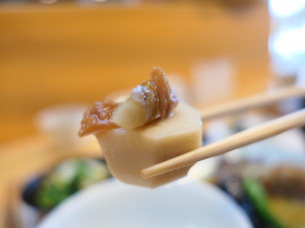 里芋と牛蒡の梅煮