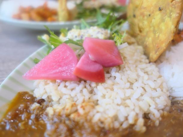 玄米三部搗きとピクルス