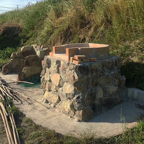 【DIY】畑にピザ窯とコンロを作る!⑤ ~ピザ窯のドームは耐火セメントで作る~①
