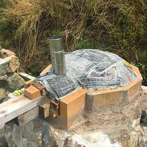 【DIY】畑にピザ窯とコンロを作る!⑤ ~ピザ窯のドームは耐火セメントで作る~⑥