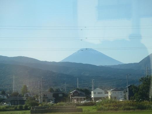 帰りの富士山 まだ雪がない