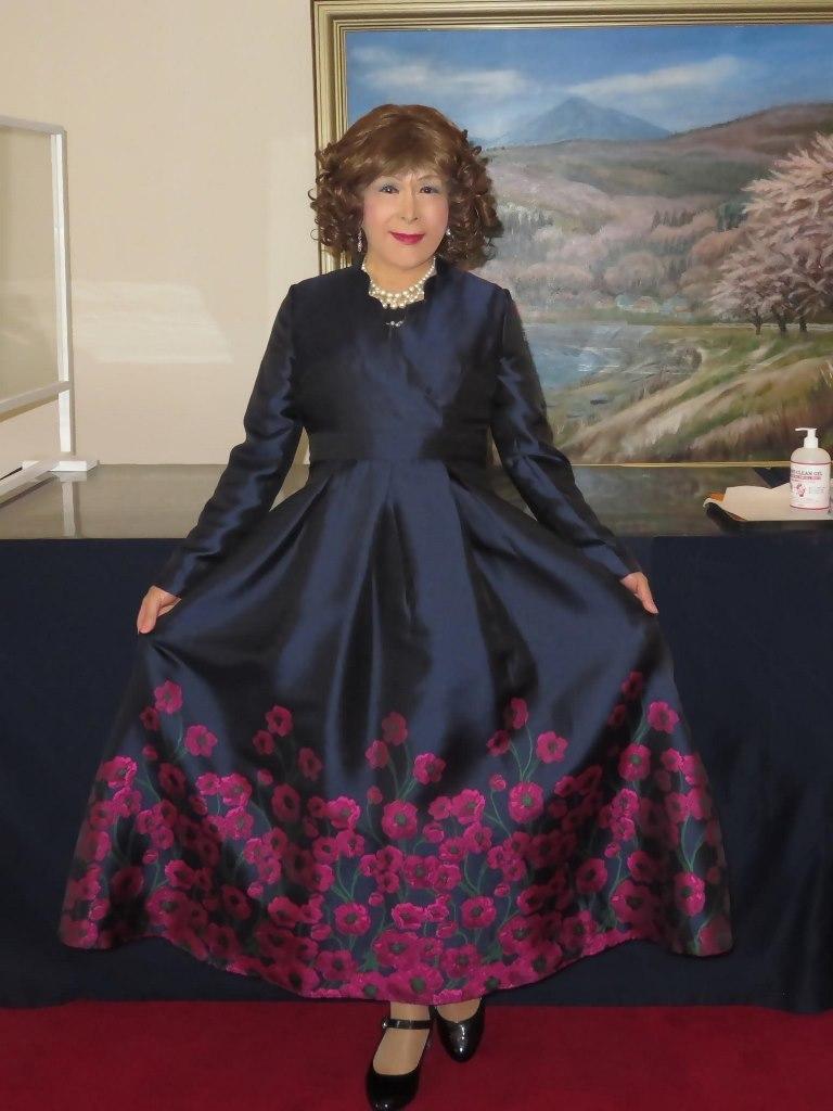 裾が花柄の濃紺ドレスA(1)