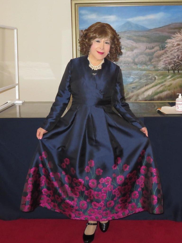 裾が花柄の濃紺ドレスA(2)