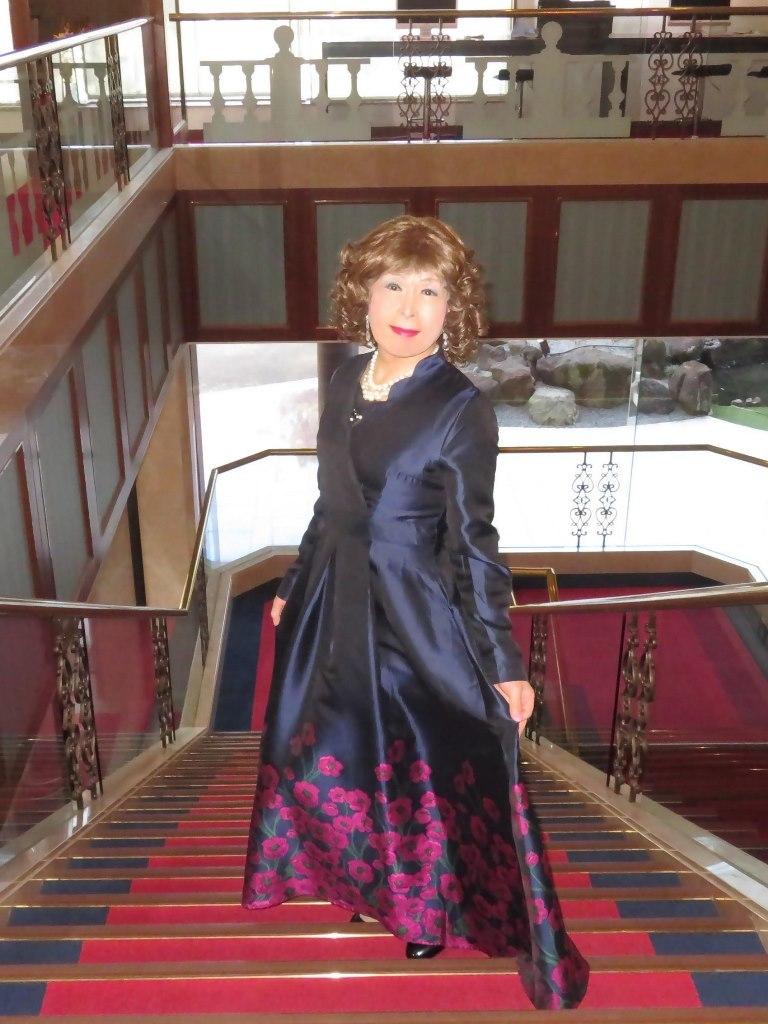 裾が花柄の濃紺ドレスA(6)