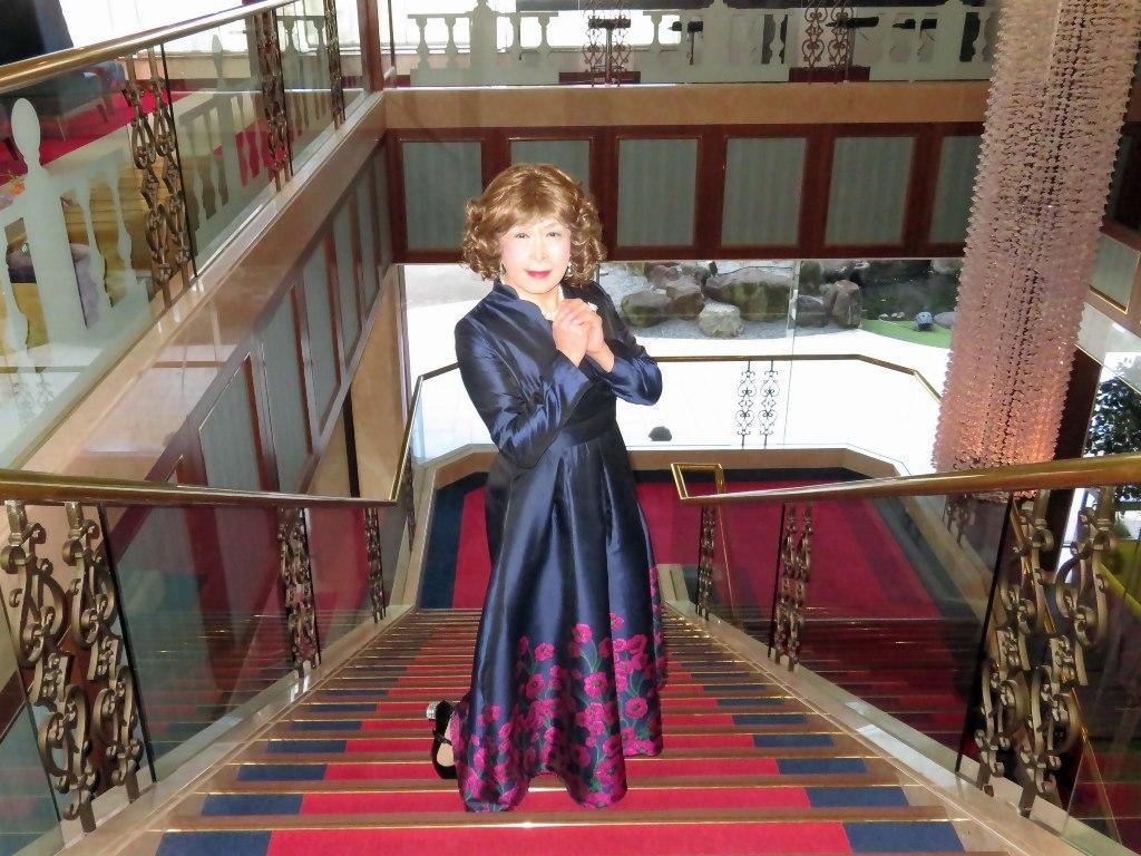 裾が花柄の濃紺ドレスA(8)