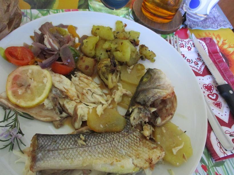 branzini_al_forno_con_patate_e_al_cartoccio_con_verdure13_210404