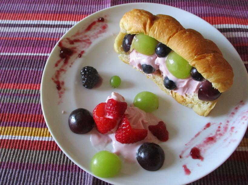 croissant_alla_ciliegia_frozen_yogurt_ciliegia210908