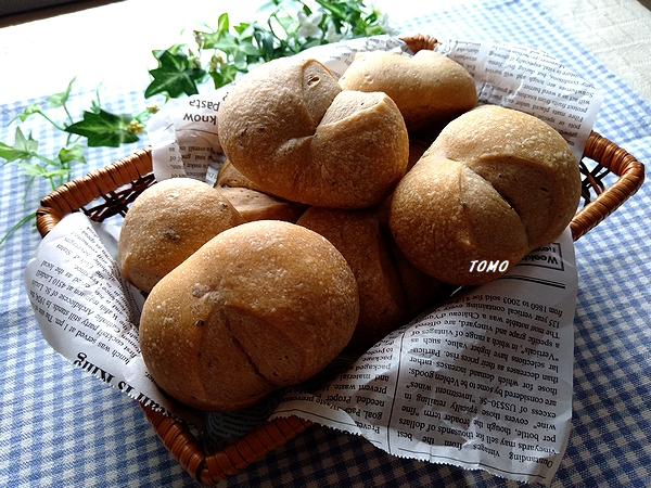 ブドウ酵母の黄な粉パン