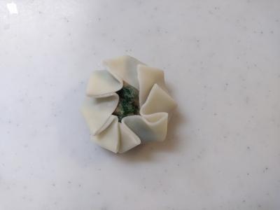 群馬県産ニラのニラ饅頭2