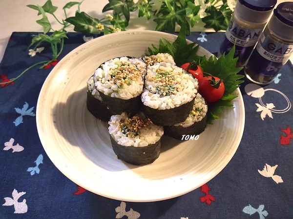 小松菜とツナ缶の海苔巻き