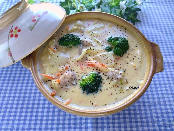 カルボナーラの素で濃厚クリーミー鍋
