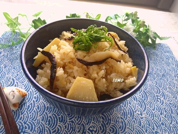 筍と干しシイタケの炊き込みご飯