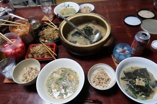 豚の味噌鍋、お好み焼きとたこ焼き、赤カブ菜飯