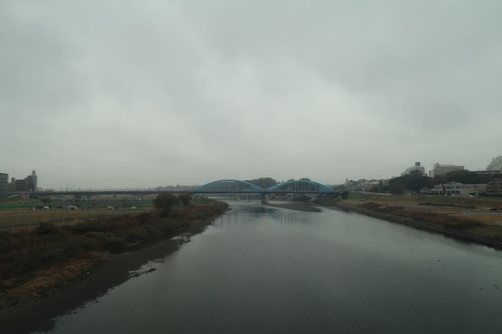 東海道新幹線の車窓から 多摩川