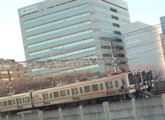 新幹線の車窓から東海道線