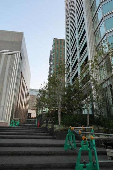 渋谷区役所と渋谷公会堂