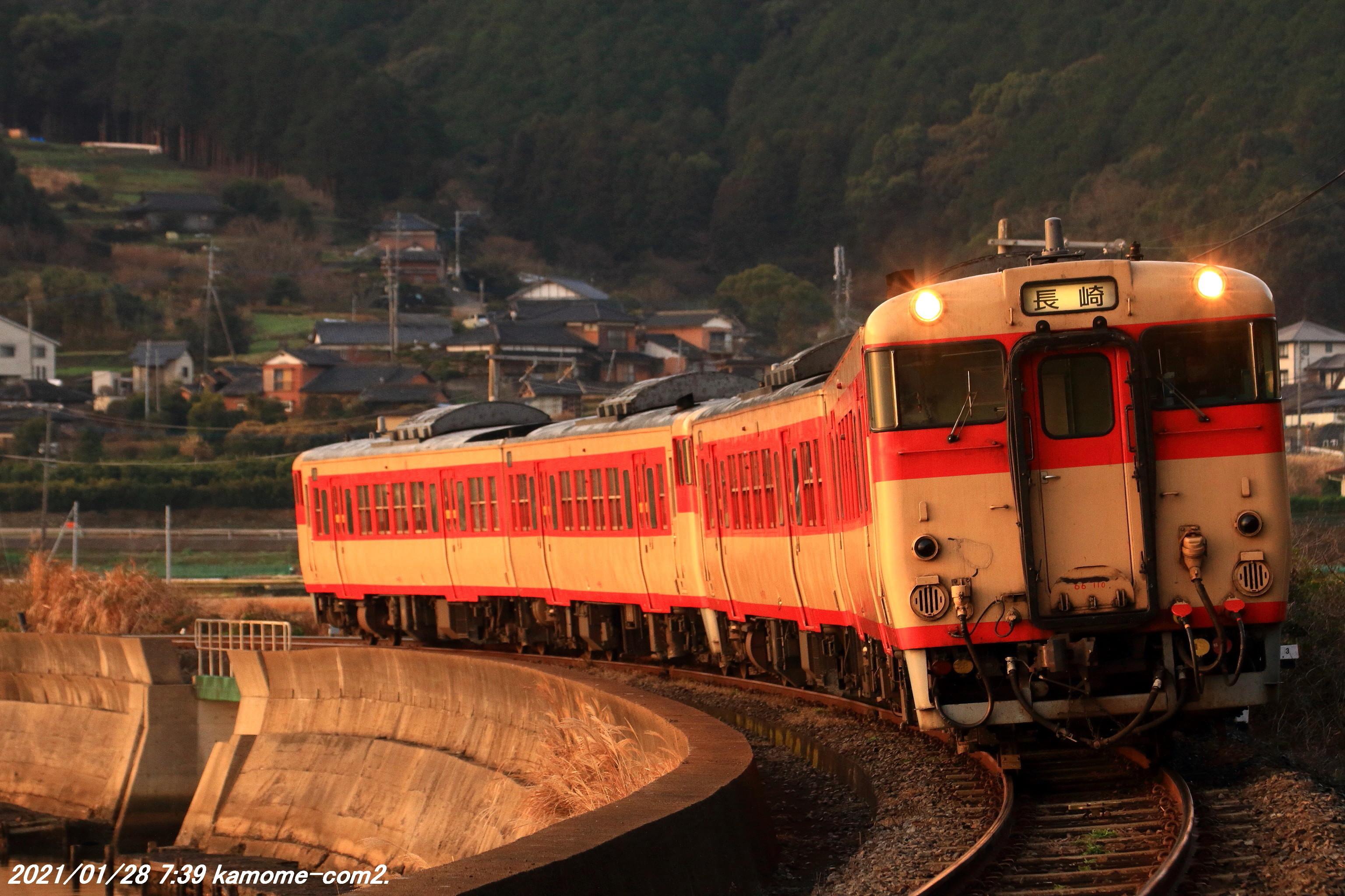 キハ66・67国鉄色4連@長崎本線・東園