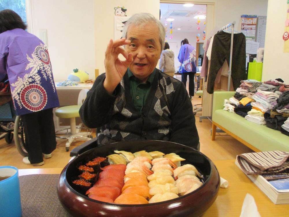 薫風のみなさ~ん お寿司ができましたよ((^∀^*))((^∀^*))