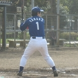 5回裏、田中が二塁打を放つ