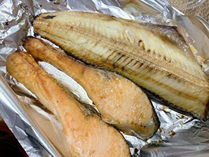 焼きホッケと焼き鮭