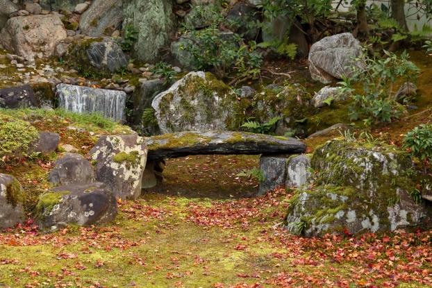 本法寺庭園・石橋