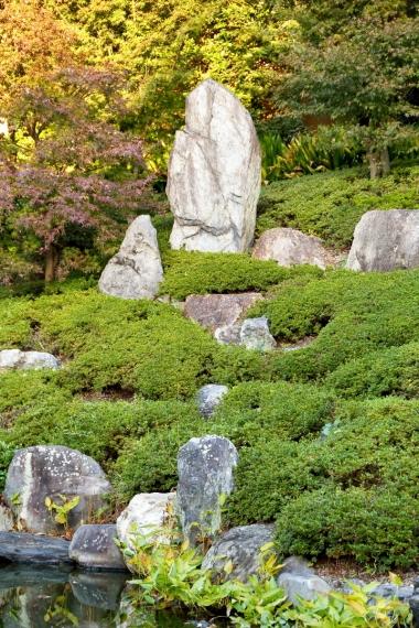 両足院庭園・山畔の石組