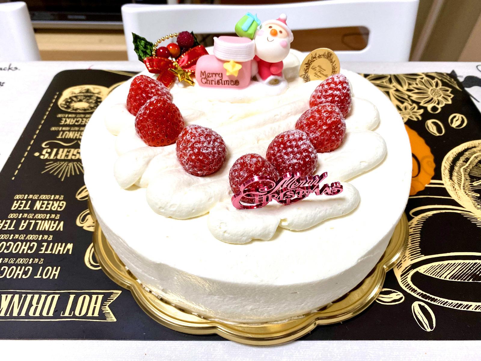 ラ・ファミーユ 苺のふんわりショートケーキ