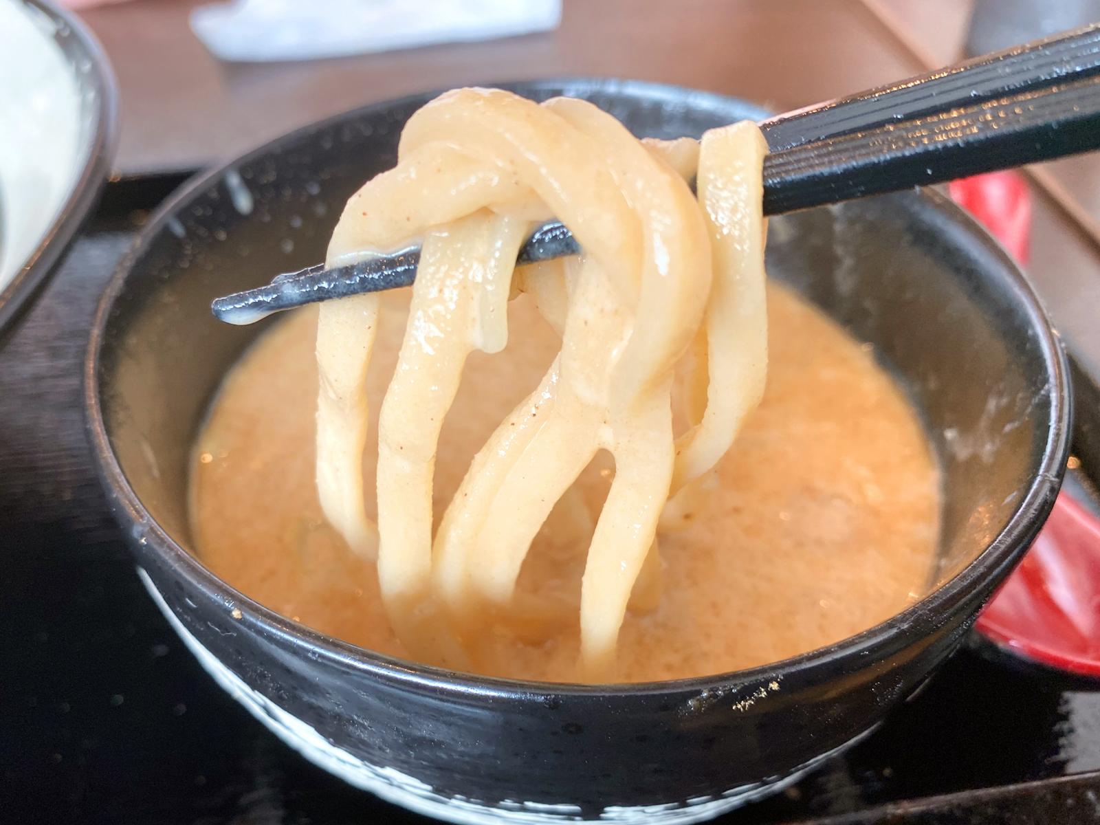 濃厚鶏つけ麺 750円(麺リフト)
