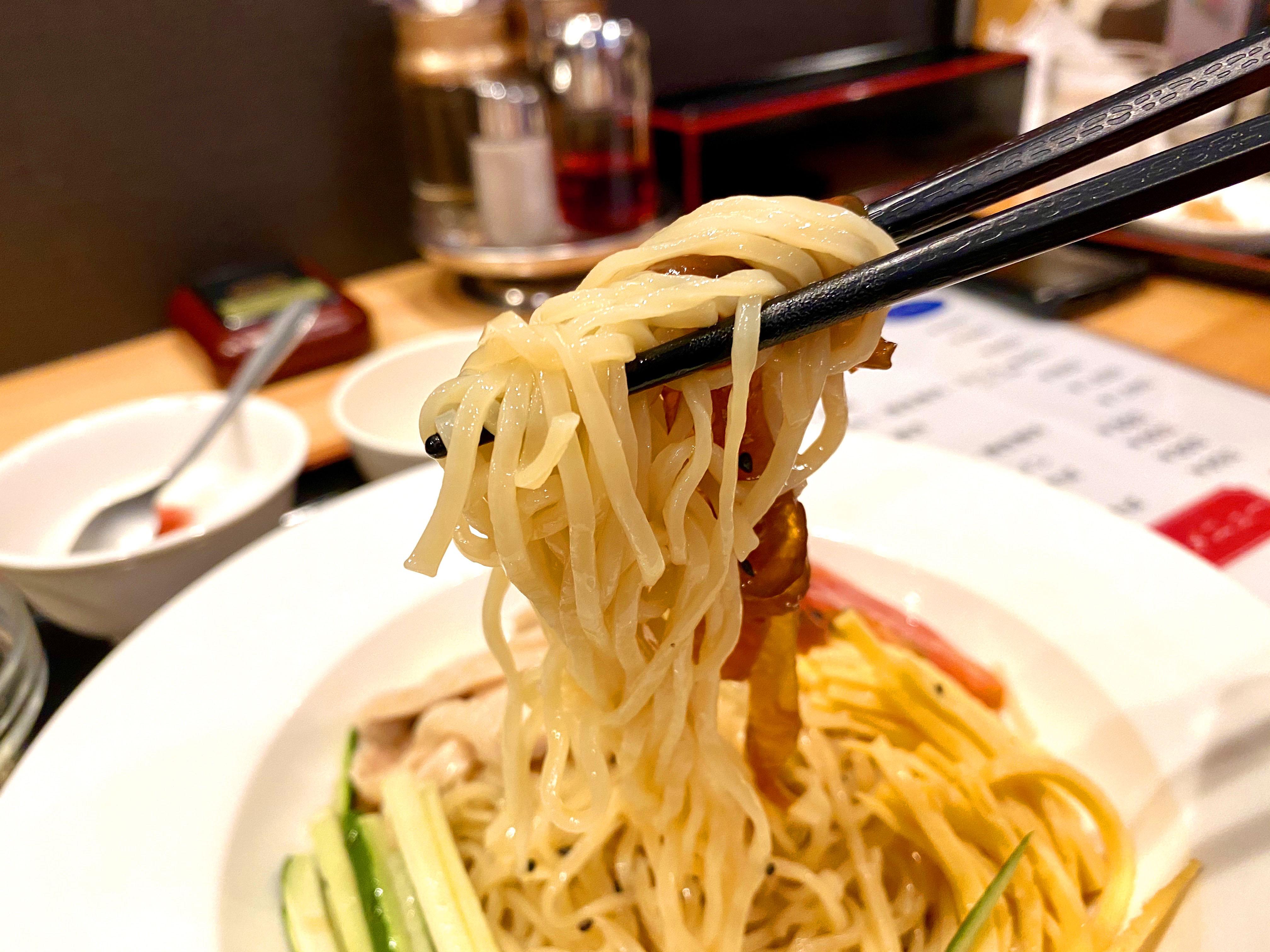 冷麺+餃子 1000円(麺リフト