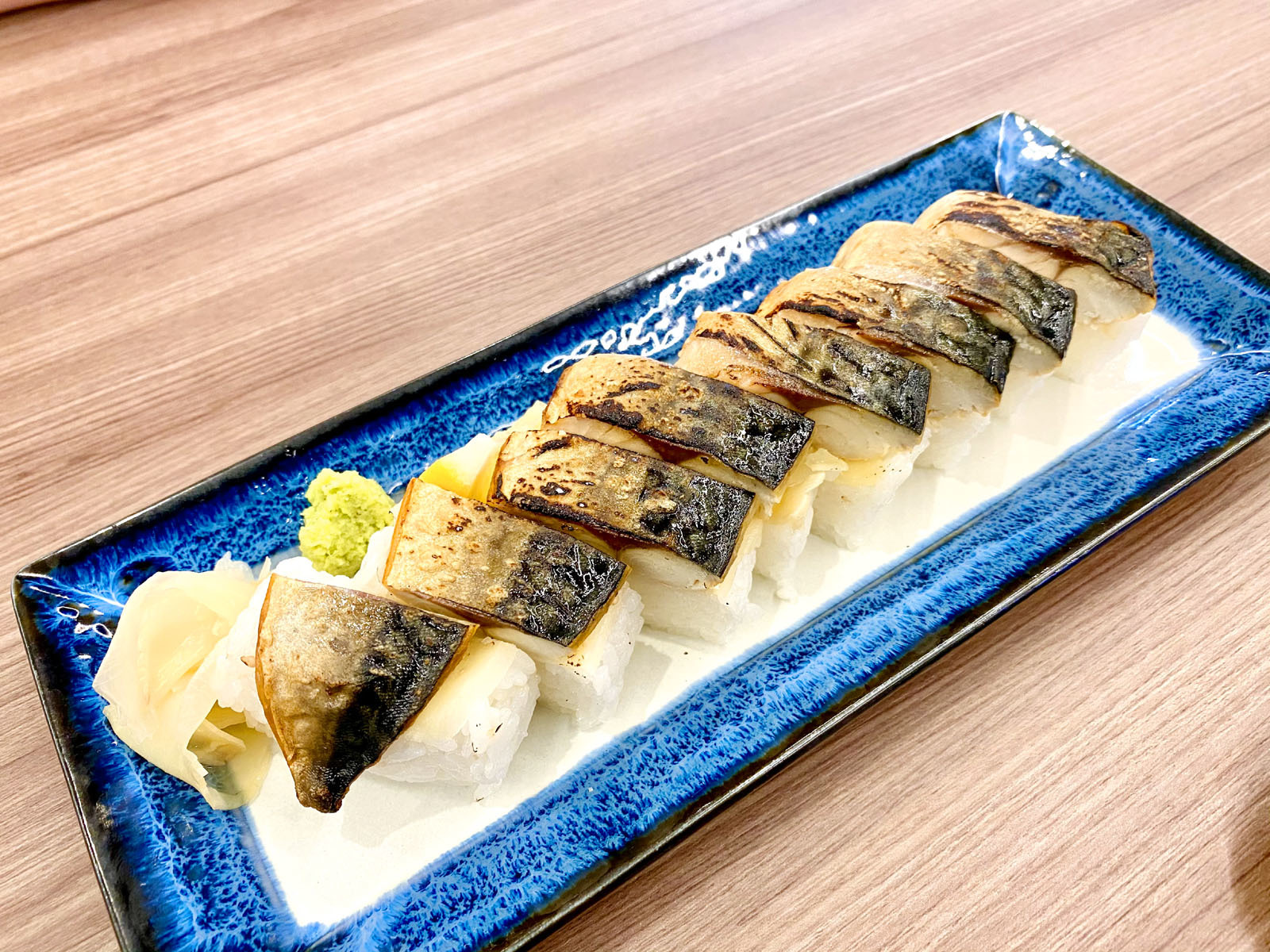 なんなり 炙り焼き鯖寿司 880円(税込)