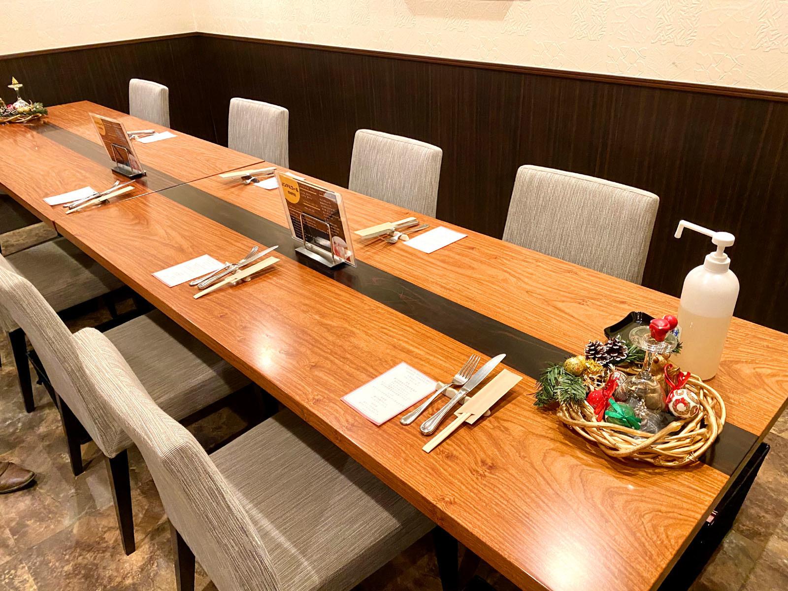 ビストロ ミューザンミュー 04 店内テーブル席