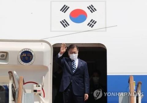 コウモリ外交で墓穴を掘るバ韓国の文大統領