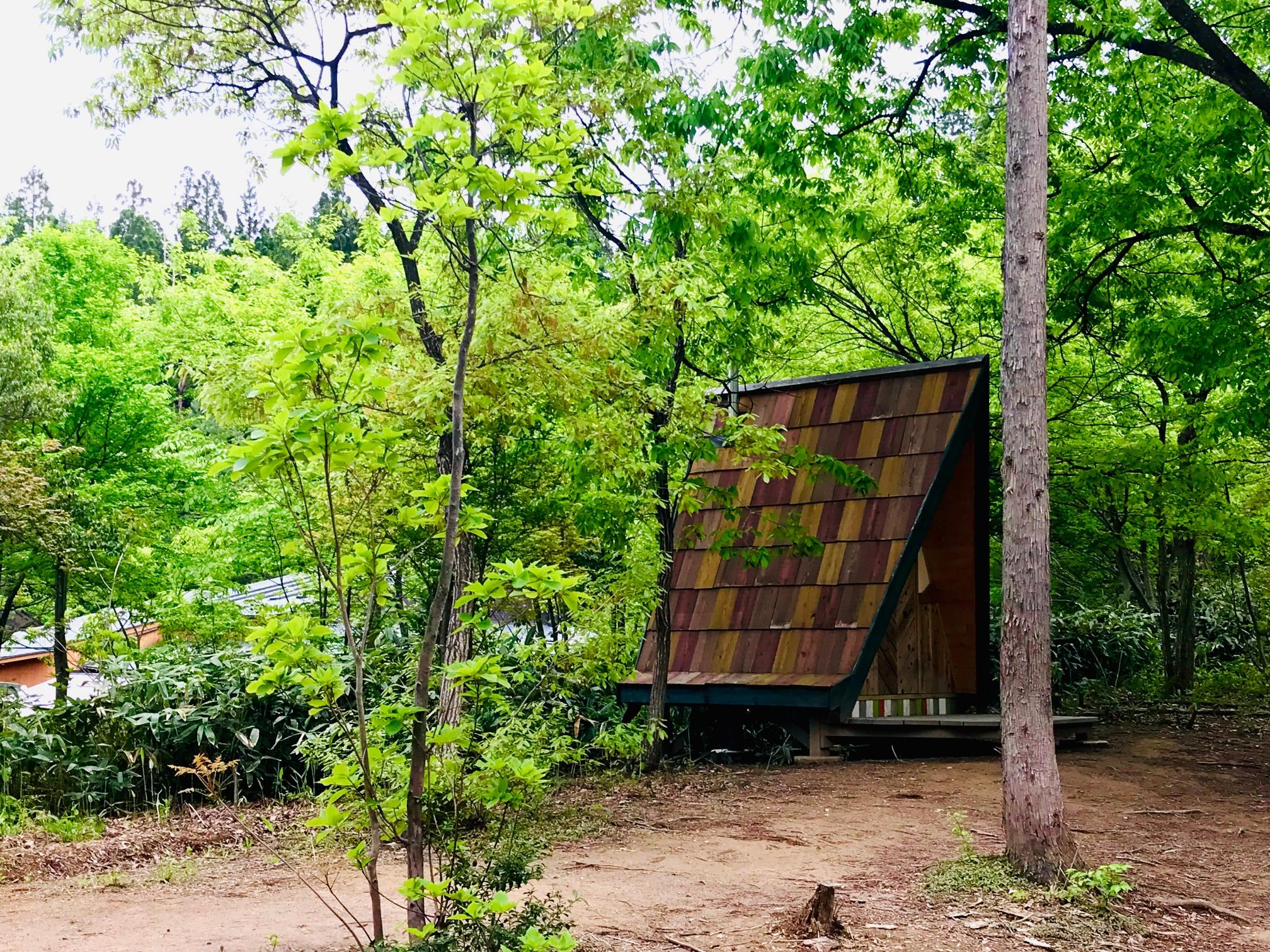 月岡温泉ワクワクファーム三角形の建物