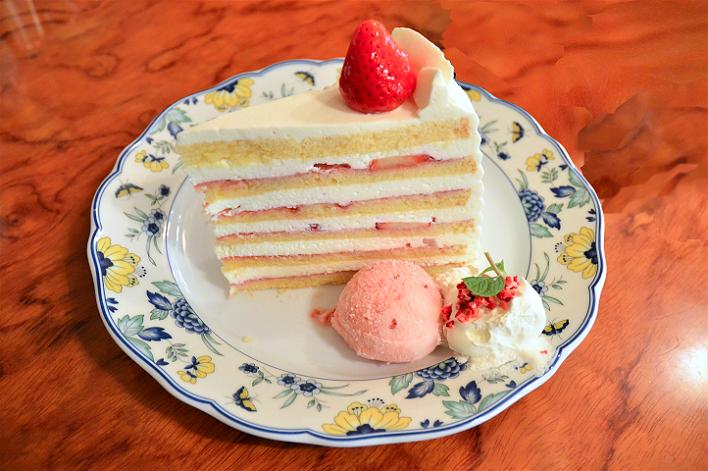 DSC_6500-2  ユーハイム本店のケーキ