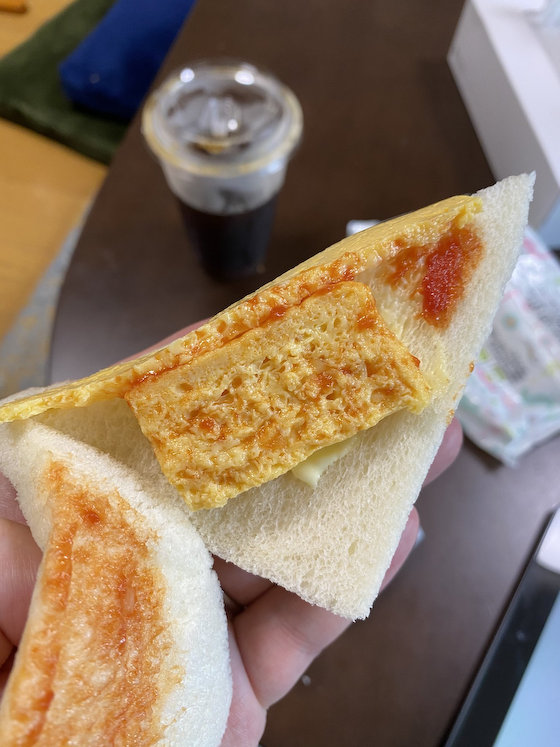 セブンイレブン サンドイッチ 上げ底 惣菜