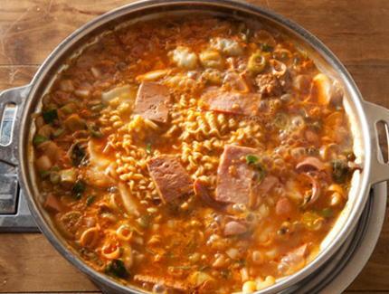 プデチゲ 韓国料理 残飯 米軍 朝鮮戦争